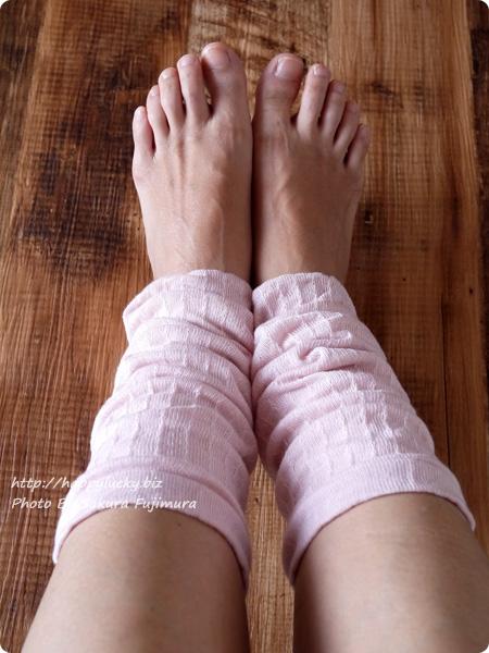 温むすび ふんわり*ほんのり足首カバー 内絹外綿 足首カバー着画