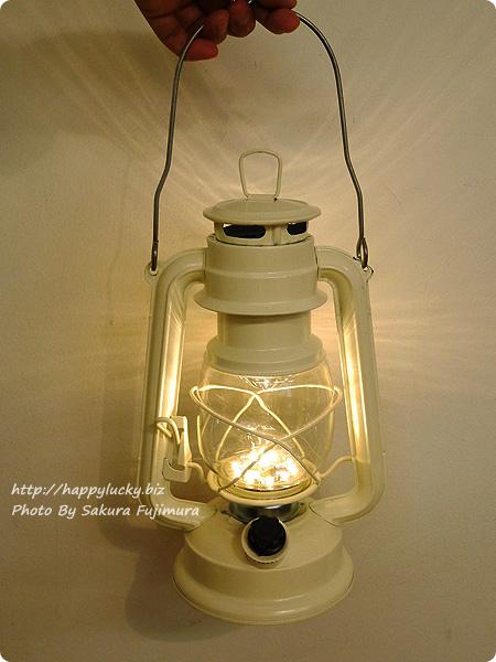 FELISSIMO フェリシモ「まるで本物の灯(あか)りのよう レトロな風合いのLEDランタンの会」 アイボリー