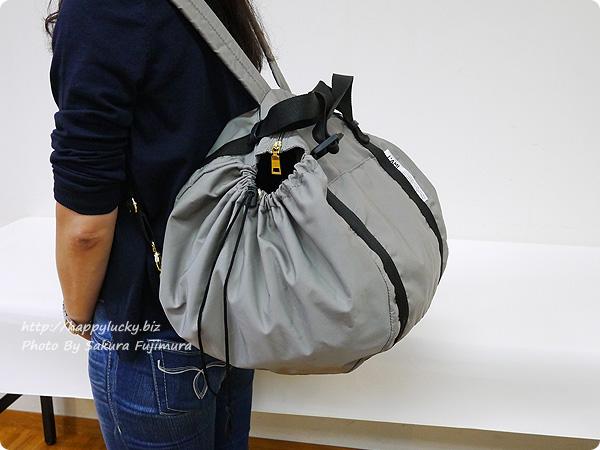 フェリシモ レジかご用バッグがスマートに変身! 大量買いもらくらく ビッグなリュックの会 リュックした着画 その2