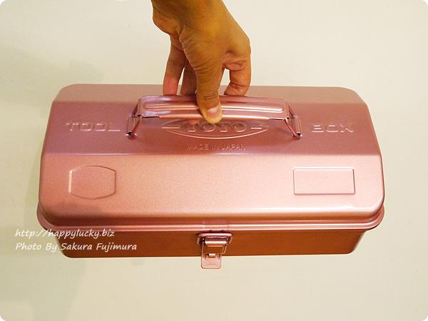 フェリシモ「老舗工場で作られる 上品スチール工具箱〈レトロピンク〉」 全体 その2