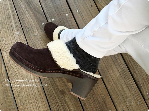 クロックス サラ ラックス ラインド クロッグ ウィメンで冷え取りファッション(着画) スキニーパンツ 白 ヒールアップ