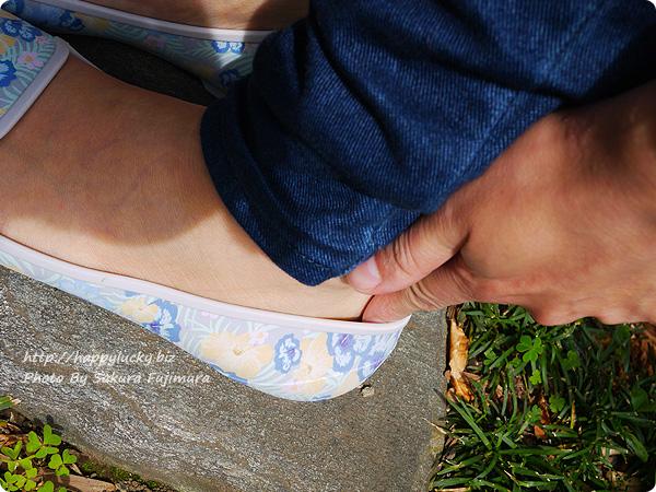 Women's Crocs Eve Graphic Flat (クロックス イヴ グラフィック フラット ウィメン) W7で素足で履いみた