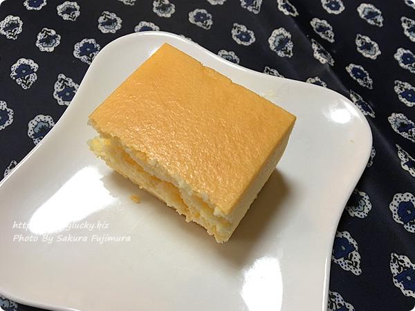 エコール・クリオロ「幻のチーズケーキ」1/4にカット