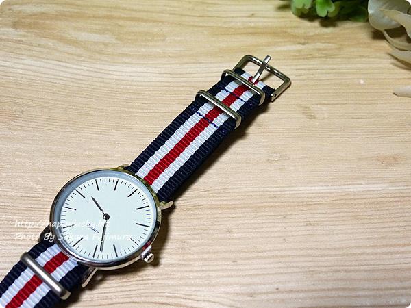 3COINS(スリーコインズ) 500円のストライプのバンドのプチプラ腕時計 金具