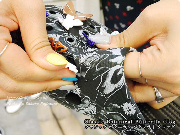 【crocsクロックス】Classic Botanical Butterfly Clog クラシック ボタニカル バタフライ クロッグ ジビッツは取り外し可能