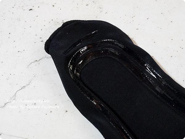 【100均キャンドゥ】足にフィット・脱げにくい シリコンフットカバー 浅履き シリコンのかかとアップ