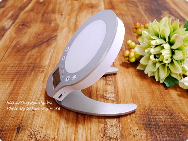 ムーンムーン光目覚まし時計inti4(インティフォー) USBポートとリセットボタン