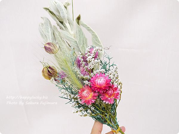 <日比谷花壇>クリスマス&お正月両方楽しめるクリスマス・お正月 2WAY手作りスワッグキット 付属の花材のドライフラワー
