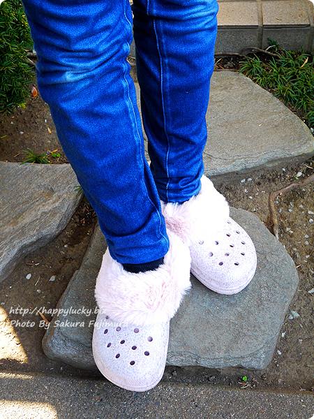 crocs クロックス Classic Mammoth Luxe Radiant Clog(クラシック マンモス ラックス ラディアント クロッグ)ピンク 着画その1
