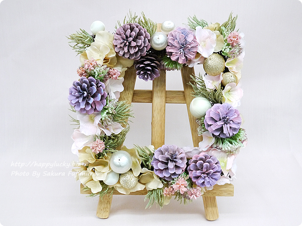 日比谷花壇 クリスマス アーティフィシャルスクエアリース「テレッツァ」 四角い形のリース