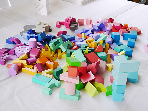 FELISSIMO(フェリシモ)「KUUM(クーム)」配色が美しく大人もアートなパズルとして楽しめる組むつみき