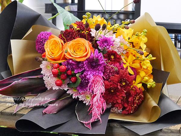 日比谷花壇シニアデザイナー(トップデザイナー)の福井崇史さんが即興で作ったゴージャスすぎる花束