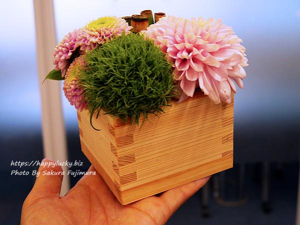 日比谷花壇 天皇陛下即位を記念 デザイナーズアレンジメント「令和・凛」 1つのアレンジのサイズ