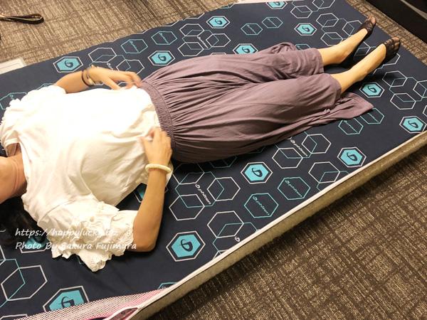 「ファイテン 星のやすらぎ エアロクレイドル」マットレスに寝てみた