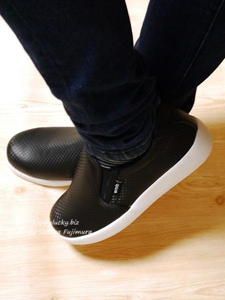 ワークマン CB400 ファイングリップシューズ 黒 靴 着画その3