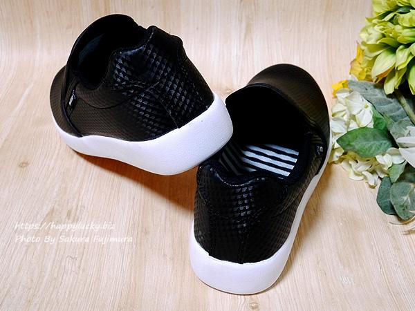 ワークマン CB400 ファイングリップシューズ 黒 靴 かかと部分アップ